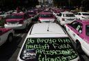 Taxistas bloquean avenidas en Ciudad de México contra aplicaciones de transporte